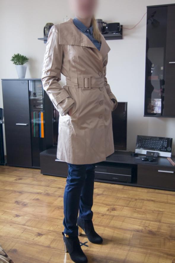 Płaszcz NOWY 36