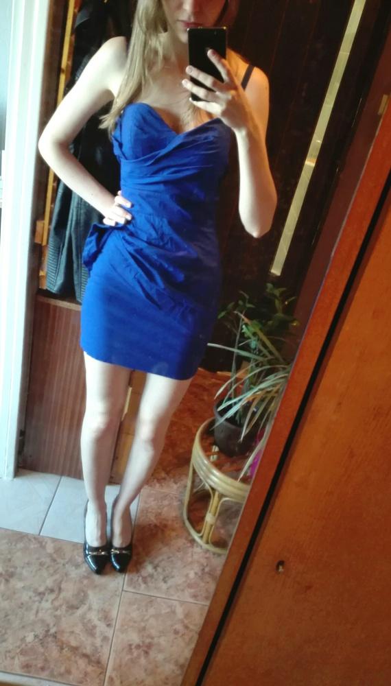 Niebieska sukienka Taily Weijl...