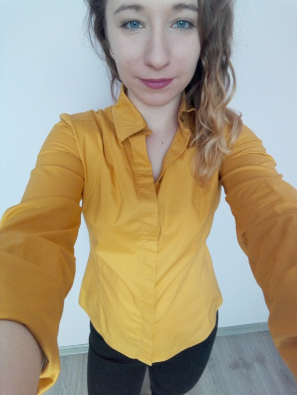 Musztardowo złota elegancka koszula
