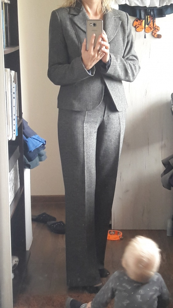 Kostium żakiet i spodnie...