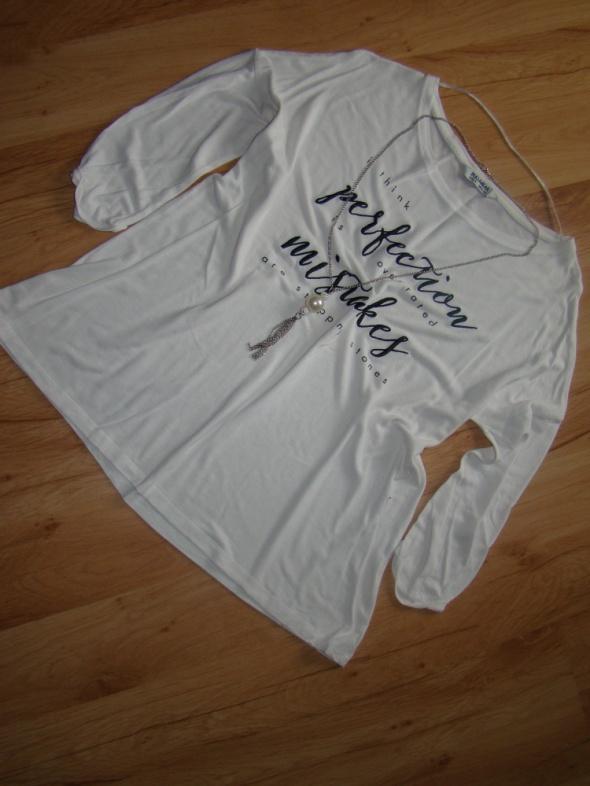 Biała luźna bluzeczka