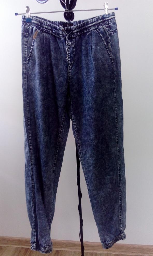 Spodnie Spodnie Reserved