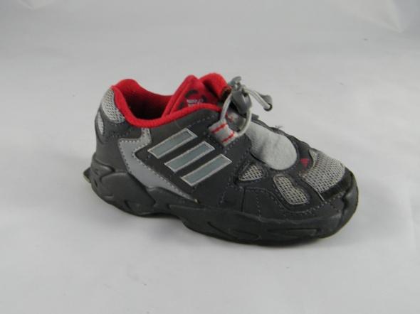 Obuwie adidas r23