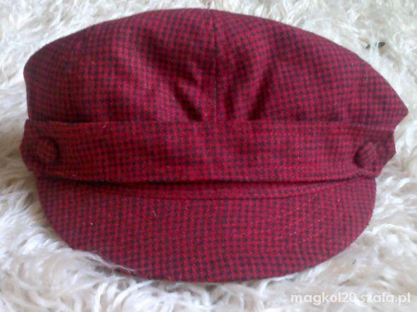 Nieużywana czapka Cropp