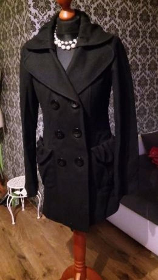Czarny płaszcz flausz S