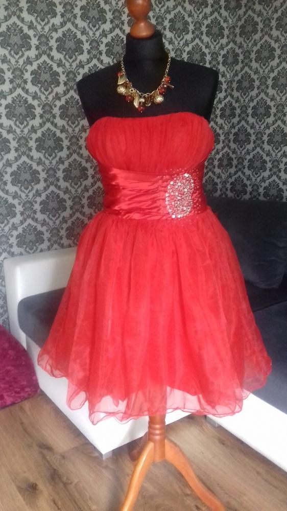 Czerwona sukienka rozkloszowana 36 38