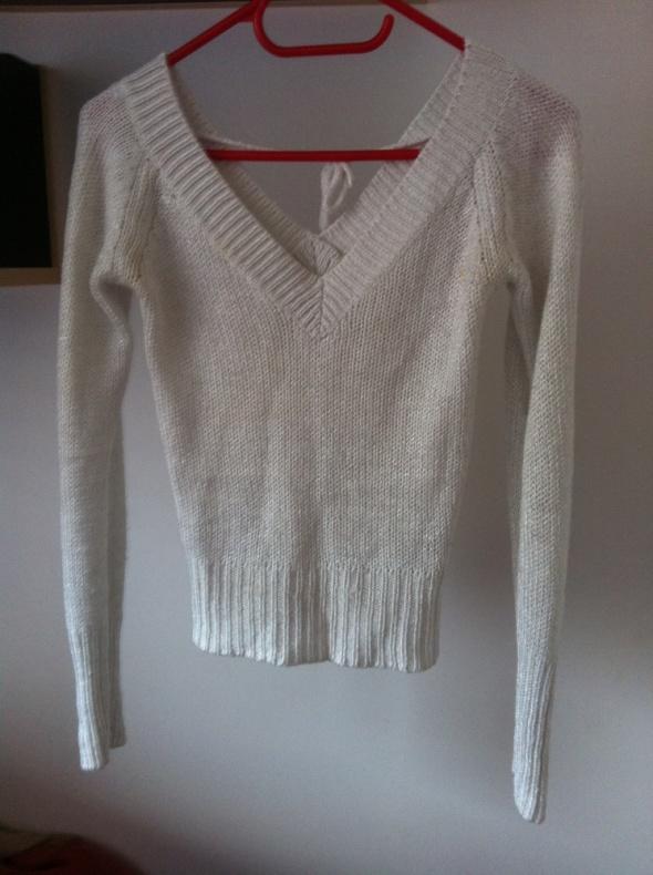 Biały sweterek tally weijl mały krótki dopasowany
