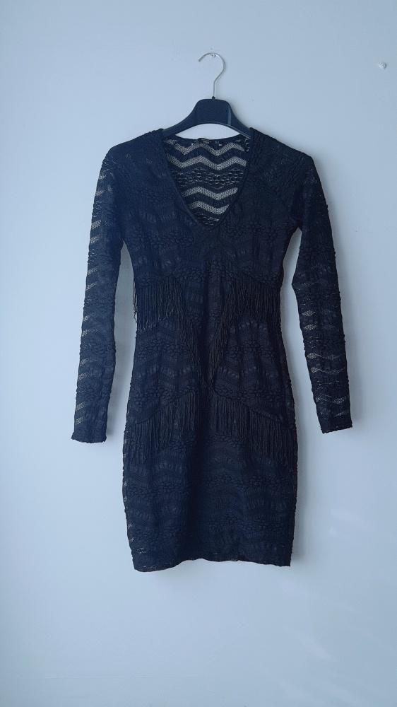 Czarna dopasowana sukienka Bershka XS...