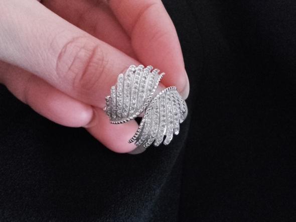 Pandora srebrny pierścionek skrzydła feniksa s925 ale 18 mm śr wewn