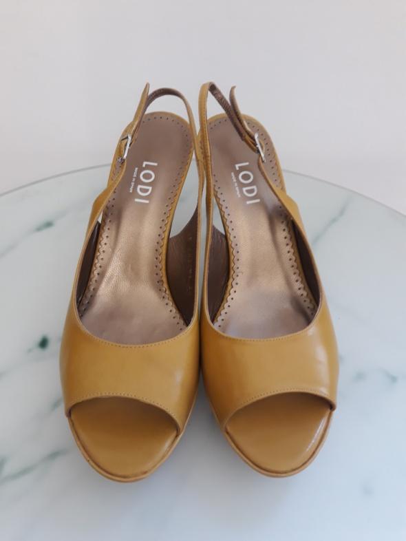 Sandałki na obcasie Lodi