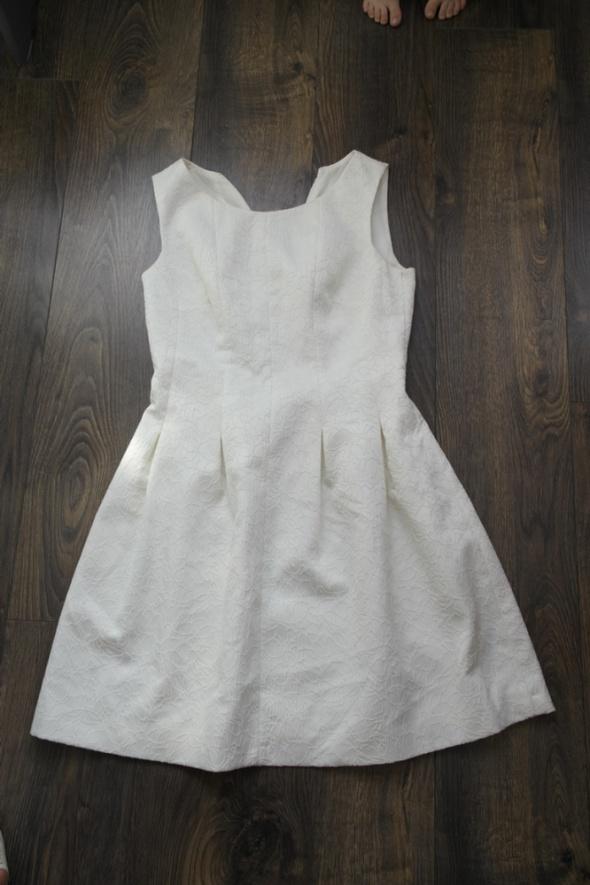 Pretty Girl sukienka biała 40