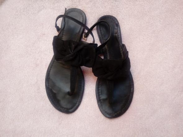 Sandałki używane
