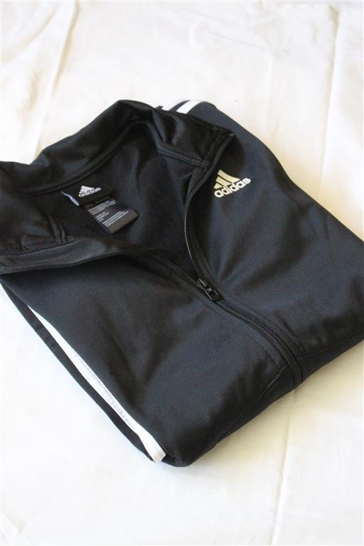czarna śliska bluza adidas