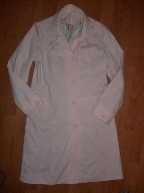 Wiosenny płaszczyk różowy rozmiar 40