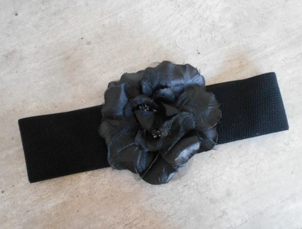 Aldo czarny pasek z kwiatem szeroki róża