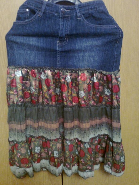 ciekawa spódnica jeans kwiaty