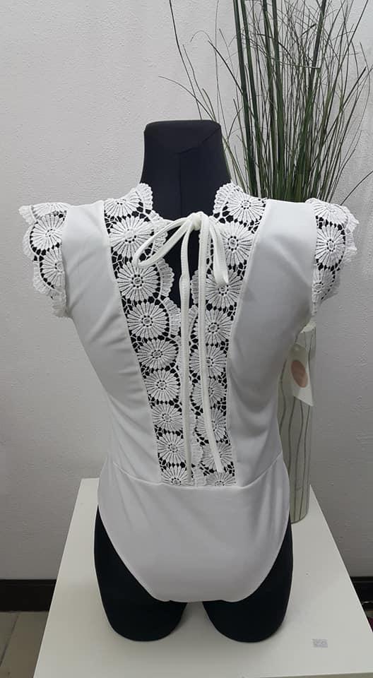 Bluzeczka body koronka hafty sznurowane...