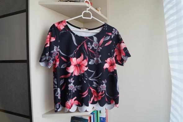 Krótka bluzka w kwiatki Silk M L