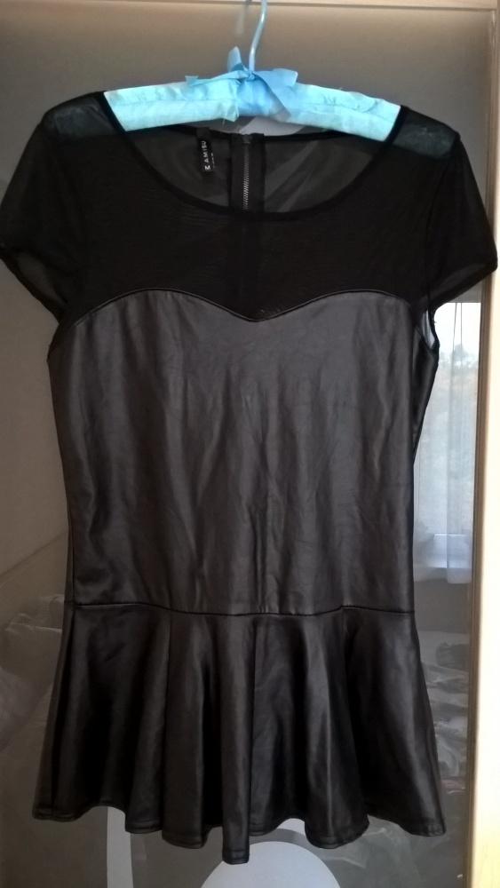 Czarna bluzka z baskinką