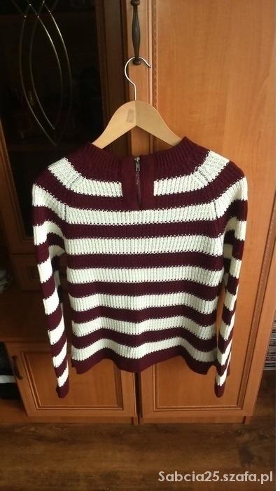Sweter w paski z zamkiem na plecach