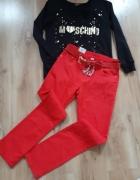 Czerwone jeansy...