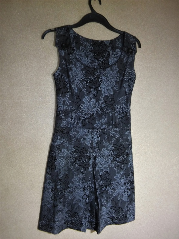 Szara elegancka sukienka midi floral w kwiaty 36