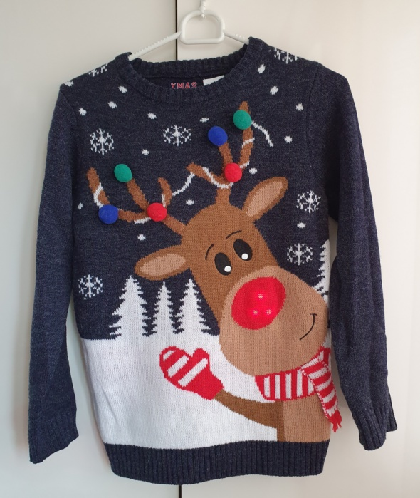 Świąteczny sweterek chłopięcy 146 cm...