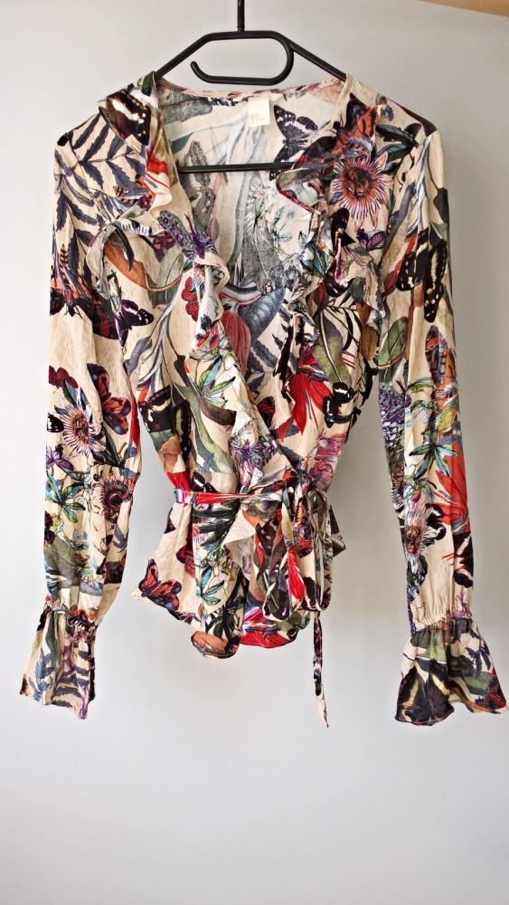 Wzorzysta kopertowa bluzka