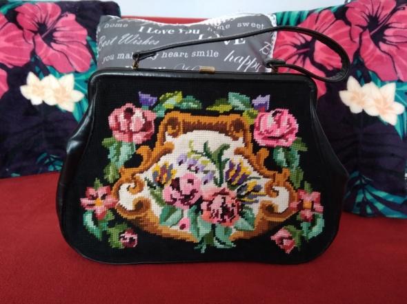 Stara skórzana torebka gobelinowa kwiaty