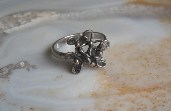 stary srebrny pierscionek jemioła