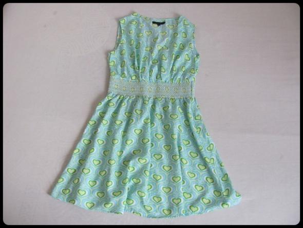 Letnia sukienka 40 L w serduszka