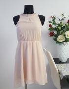 sukienka pudrowy róz zdobiona...