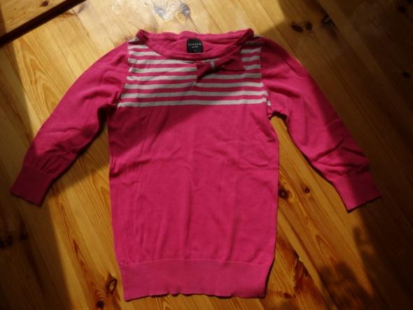 różowa bluzka w paski z kokardką