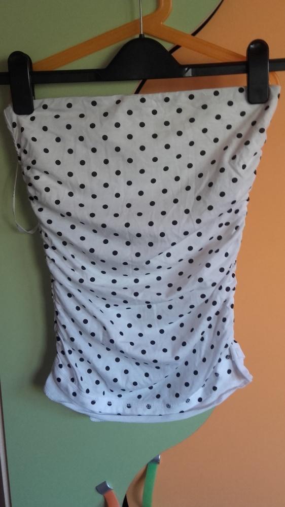 urocza bluzeczka w kropki S