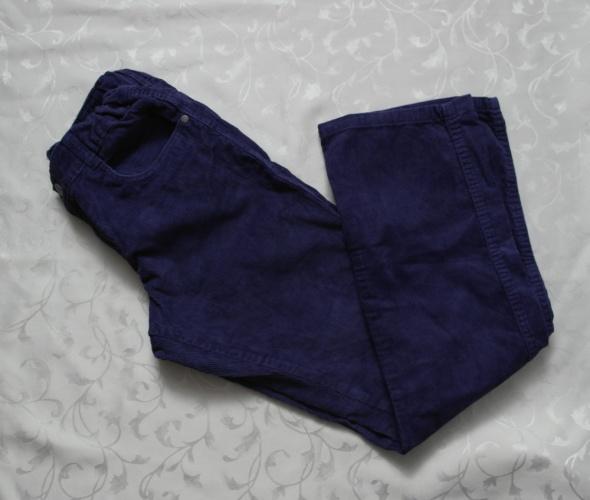 Fioletowe sztruksowe spodnie 146 152