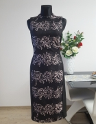 czarna sukienka z brudnym rózem...