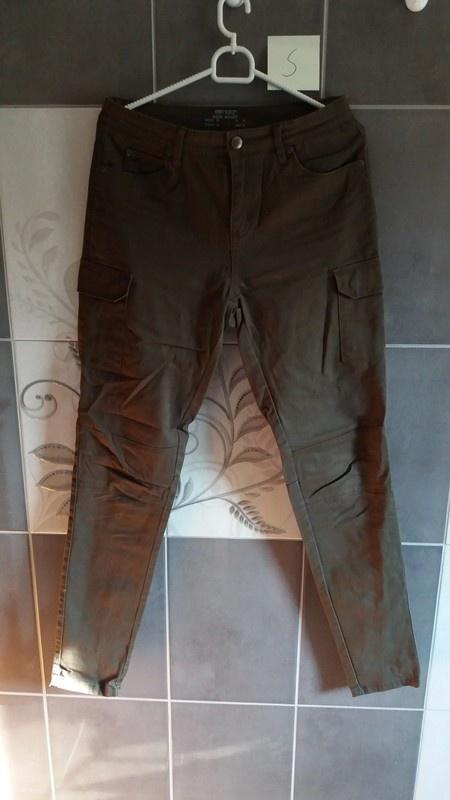 Spodnie z wysokim stanem Khaki S 36
