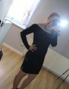 czarna elegancka sukienka z długim rękawem...