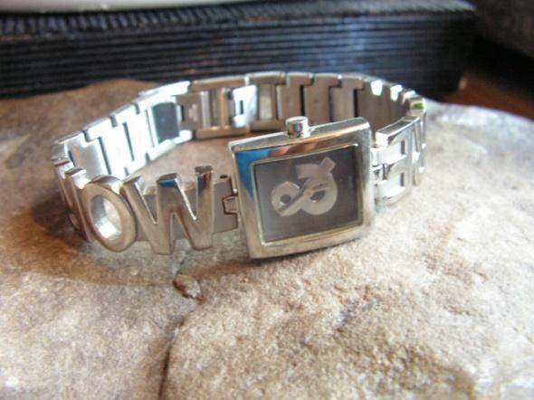 Stalowy damski zegarek More More...