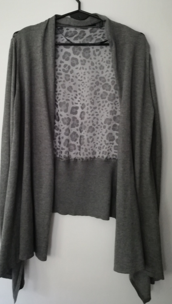 sweter narzutka S M cashmere