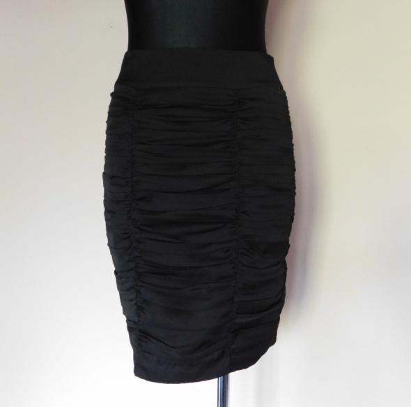 Spódnice H&M czarna spódnica midi 36 38