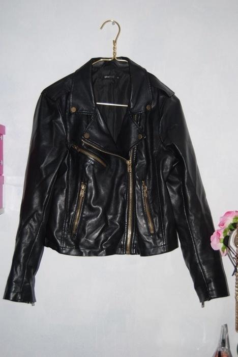 Odzież wierzchnia Czarna ramoneska Gina Tricot