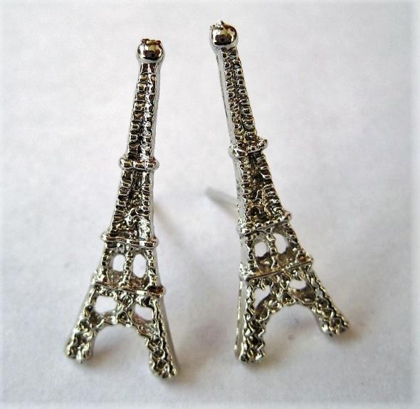 kolczyki srebrne wkrętki Wieża Eiffla