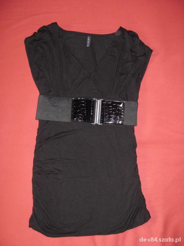 elegancka czarna krótka sukienka z paskiem