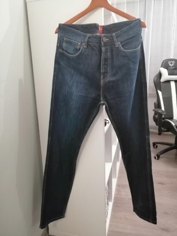 Spodnie męskie proste jeansy pull&bear