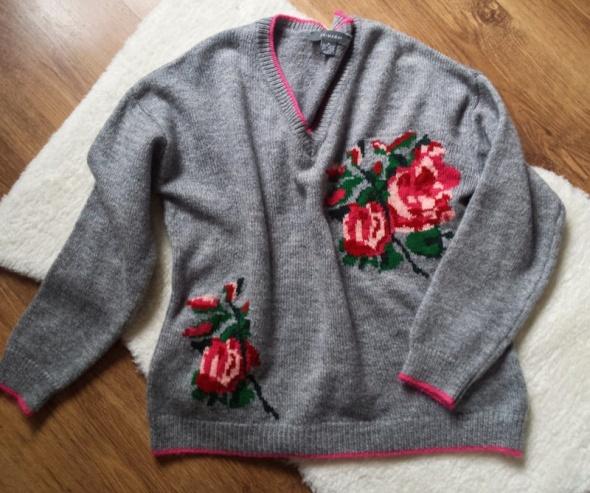 Swetry Szary sweter z różami