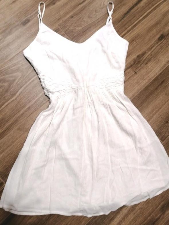 biała sukienka s