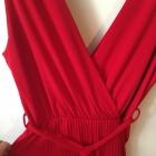 czerwony plisowany kombinezon