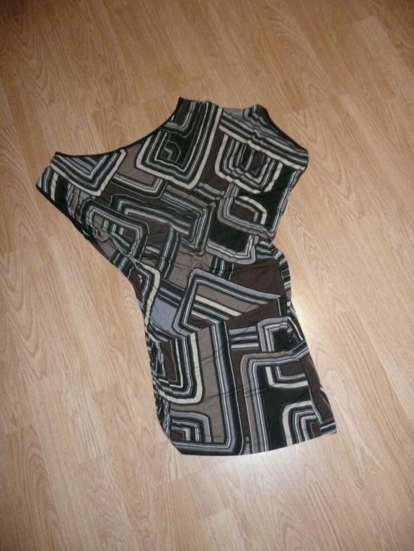 sukienka asymetryczna geometryczne wzory