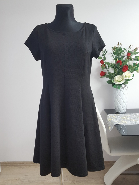 czarna sukienka George...